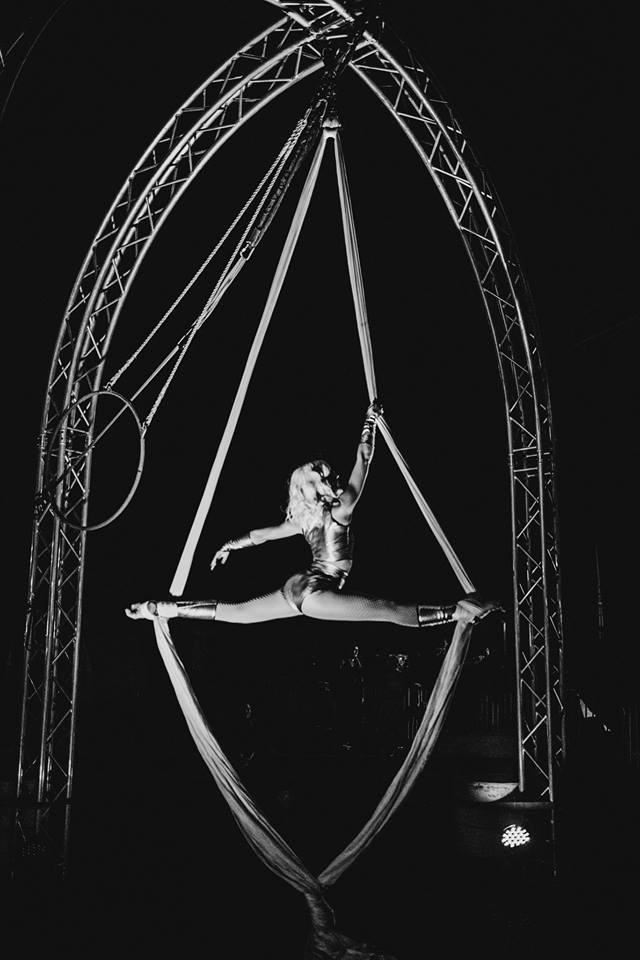 Jessica Packard - Aerial Performer based in Phoenix, AZ